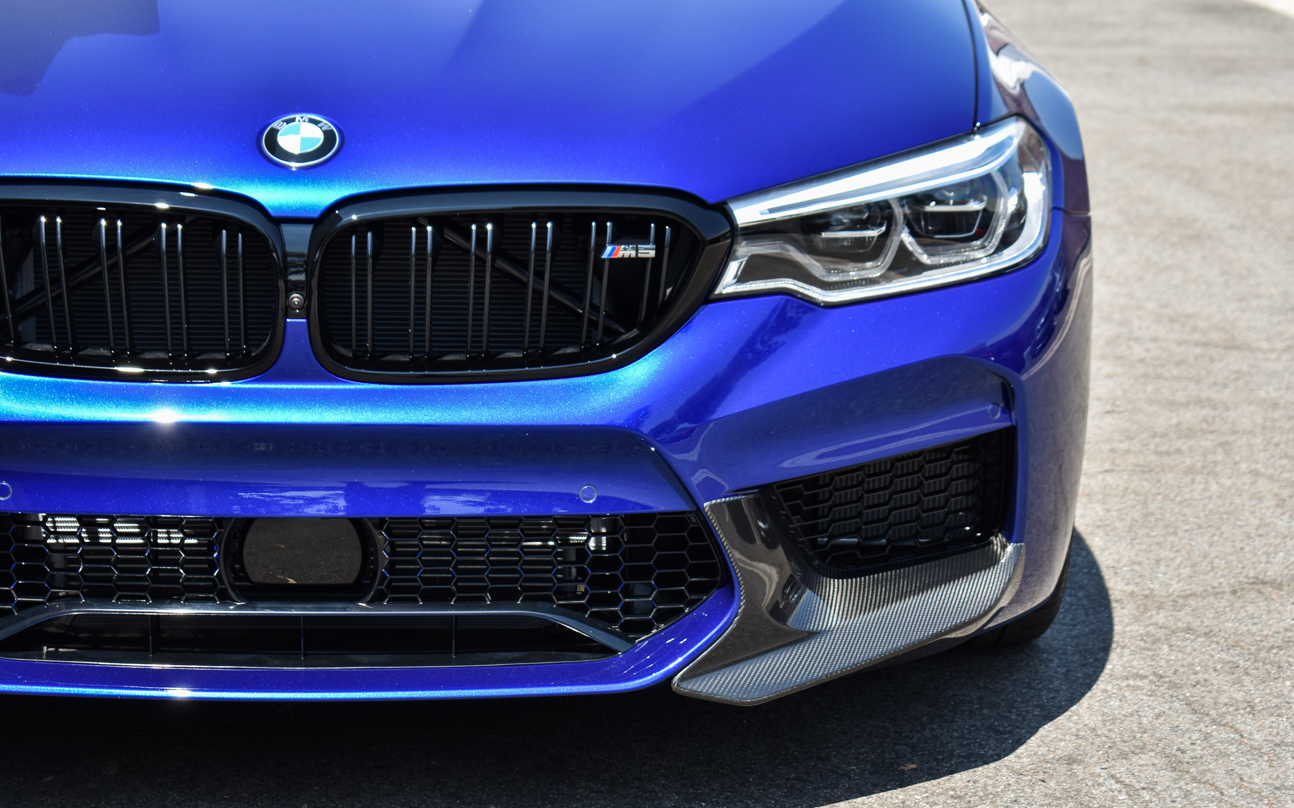 2018 Marina Bay Blue F90 M5 - BMW M Performance