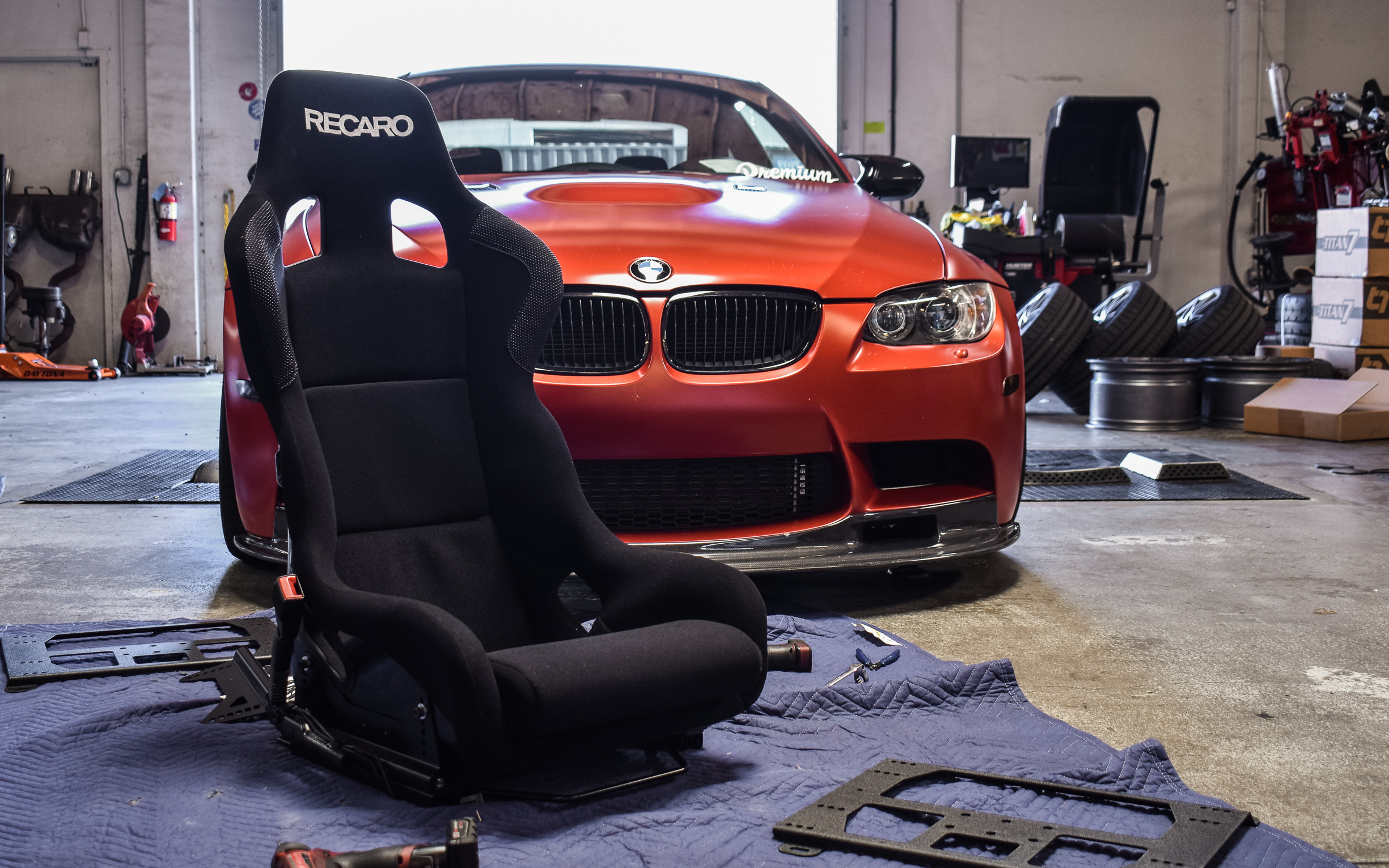 2011 Frozen Red E92 M3 - Recaro Profi XL SPG